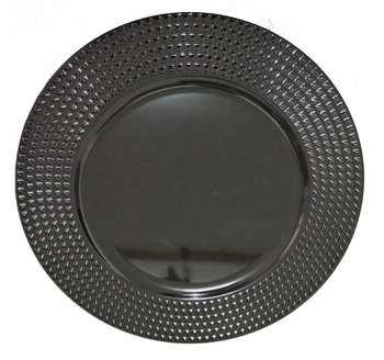 Plastic under black charger plate on sale