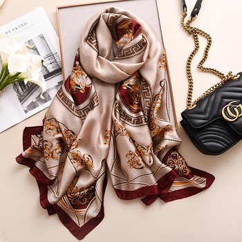 Wholesale 2019 silk scarf new design fashion retro pattern print muslim hijab long woman designer scarf styles