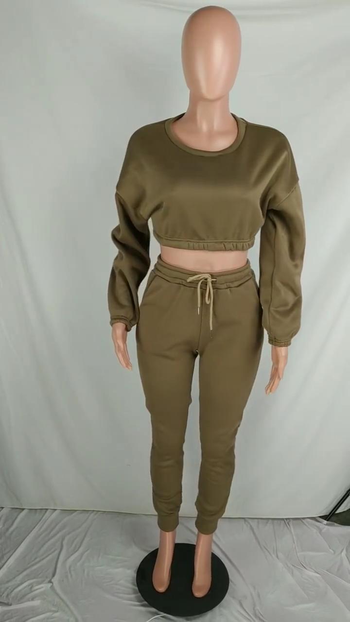 Fornecedor de roupas Caem de moda feminina roupas de inverno cores top curto two Piece suit treino Outfit 2 3 Set roupas Pedaço