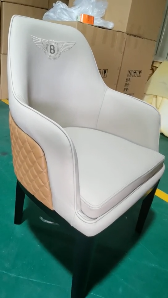 Di alta qualità sedia in pelle