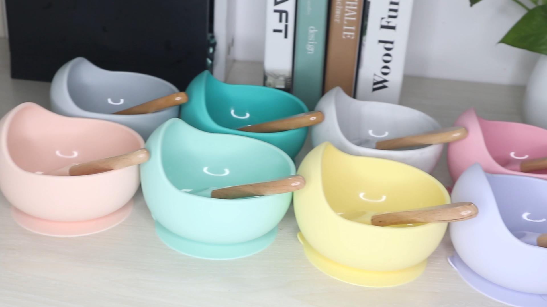 BPA משלוח ידידותי לסביבה צבעוני כלי שולחן סיליקון תינוק האכלת יניקה קערה עם כפית
