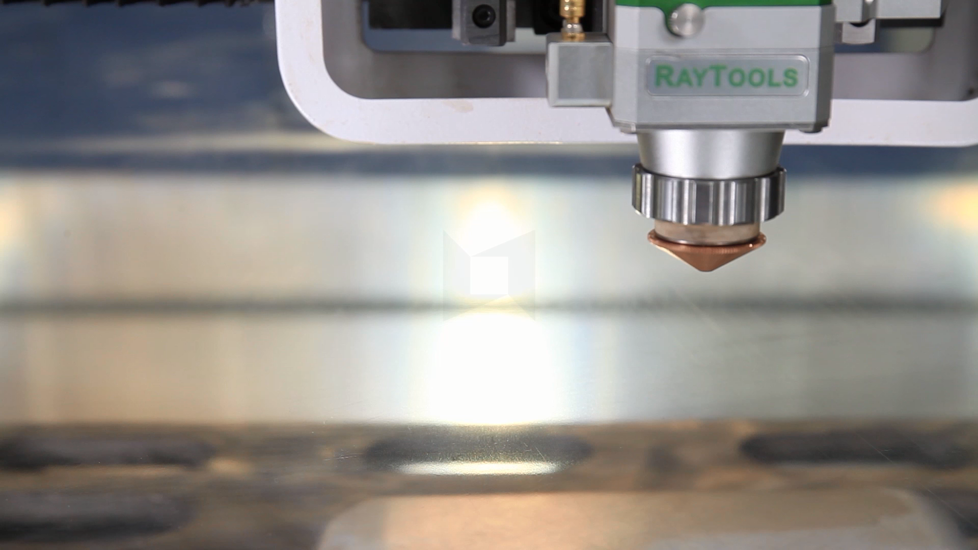 2020 JNLINK factory direct sell 1000w 1500w cnc fiber laser cutter cutting machine metal cut sheet for steel machines