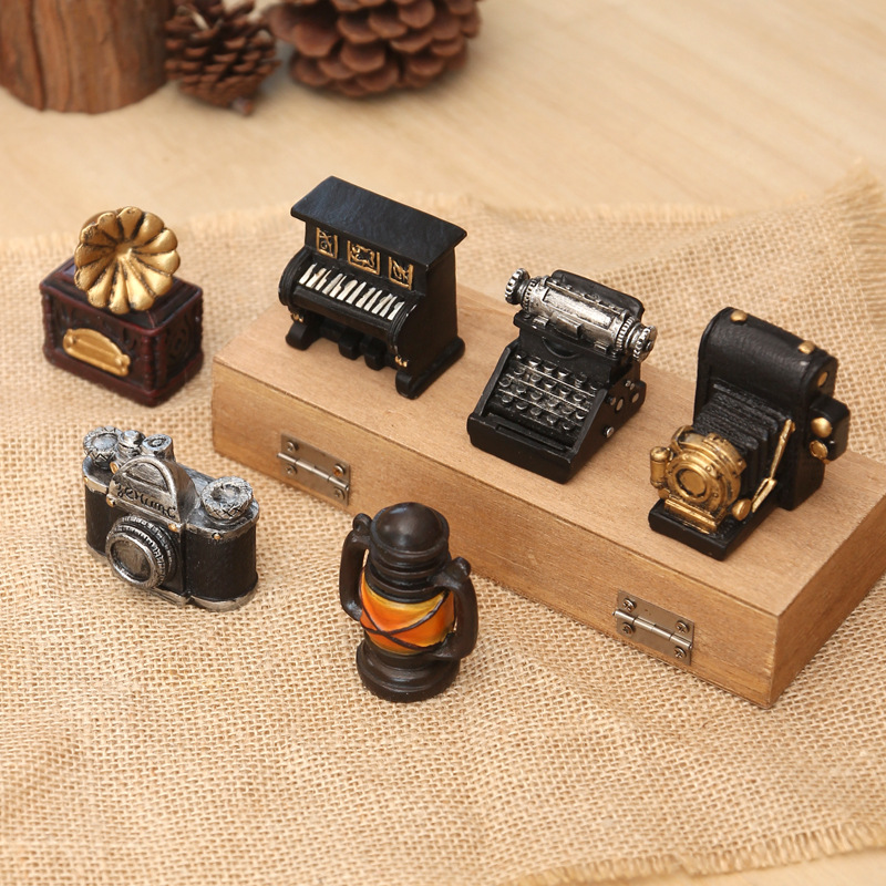 Vintage Resin Crafts Ornaments Cafe Home Decoration Ornaments Photography Background Props Record Player Typewriter