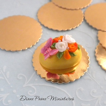 Cake Decorating And Present Mini Pastry Cake Board