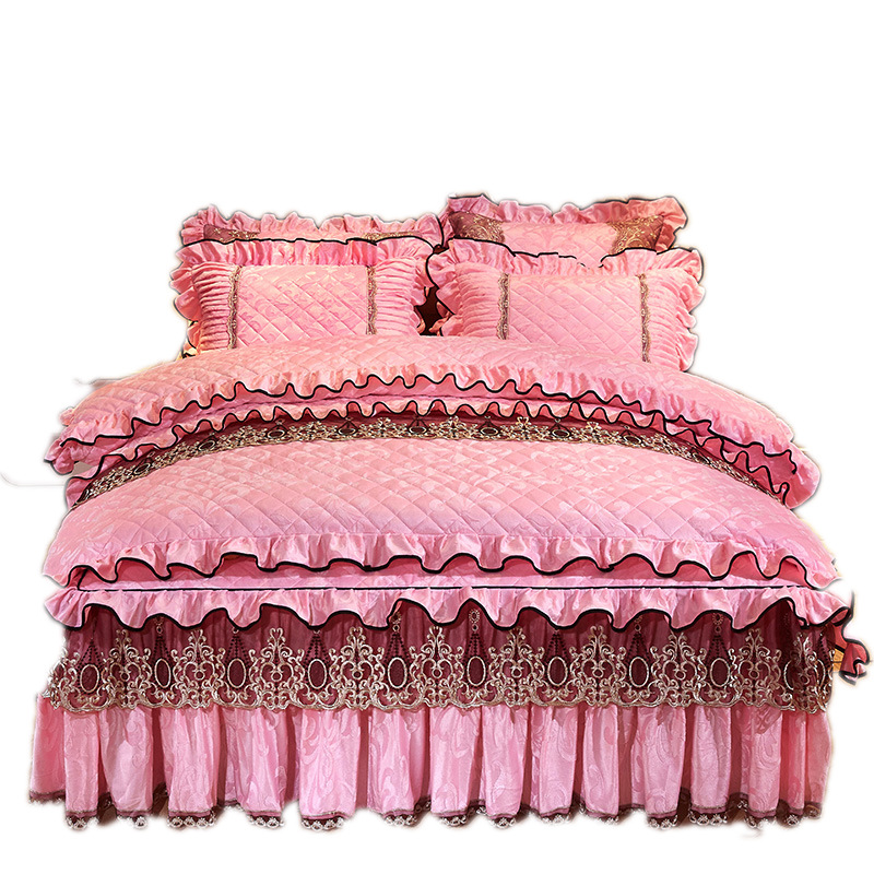 थोक लक्जरी मूंगा ऊन फलालैन कोरियाई शैली सर्दियों फीता कशीदाकारी व्याकुल शादी बिस्तर duvet कवर बिस्तर सेट के लिए लड़की