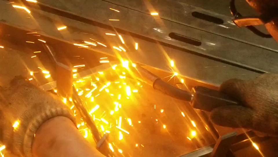 مصنع عالي الجودة السعر باب مشغول حديد خارج سوينغ الجملة باب معدني للتأمين