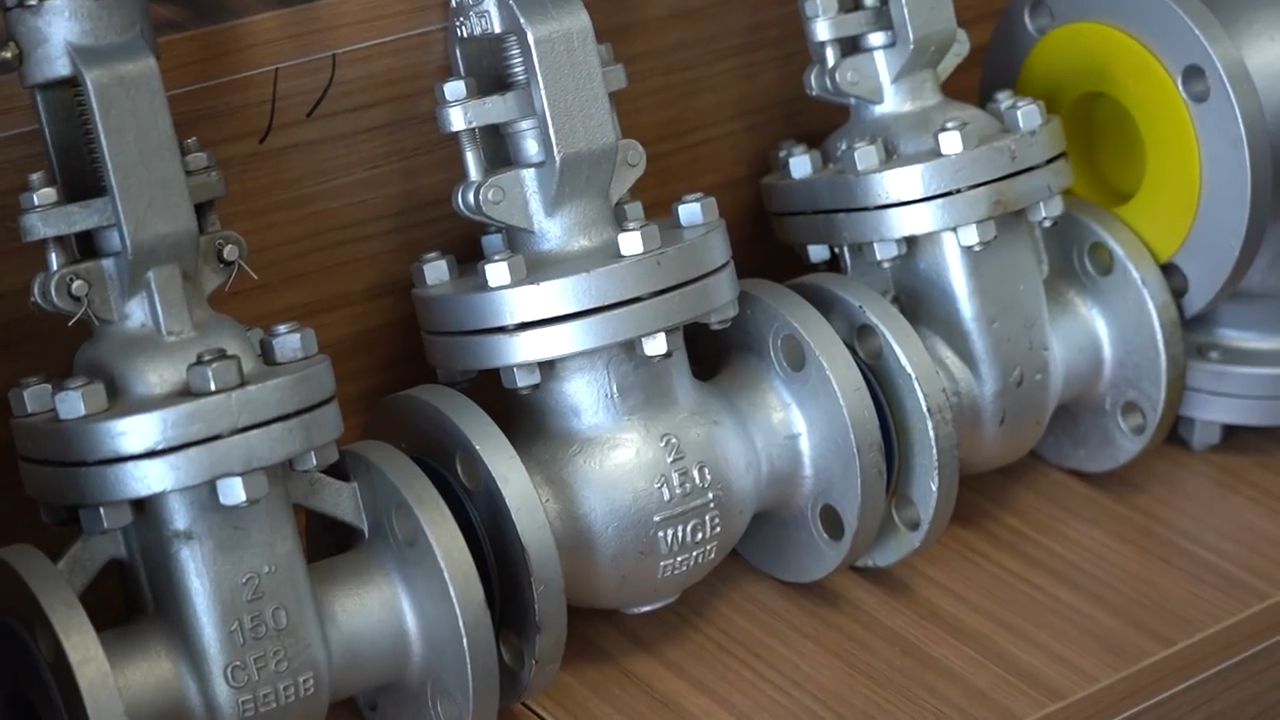 Factory Price Manual API DIN Standard WCB CF8 CF8M Stainless Steel Valve