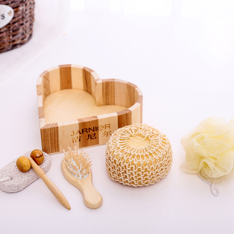 Promotional wood heart box 6pcs bath accessory set, Sisal sponge /comb Wooden box spa set /Bath Gift Set