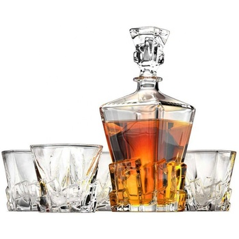 Whiskey liquor decanter bottle with ground glass stopper