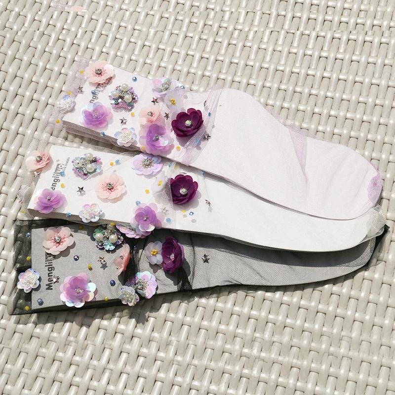 2020 Fashion breathable fresh yarn pile socks women silk Fancy socks with handmade flowers