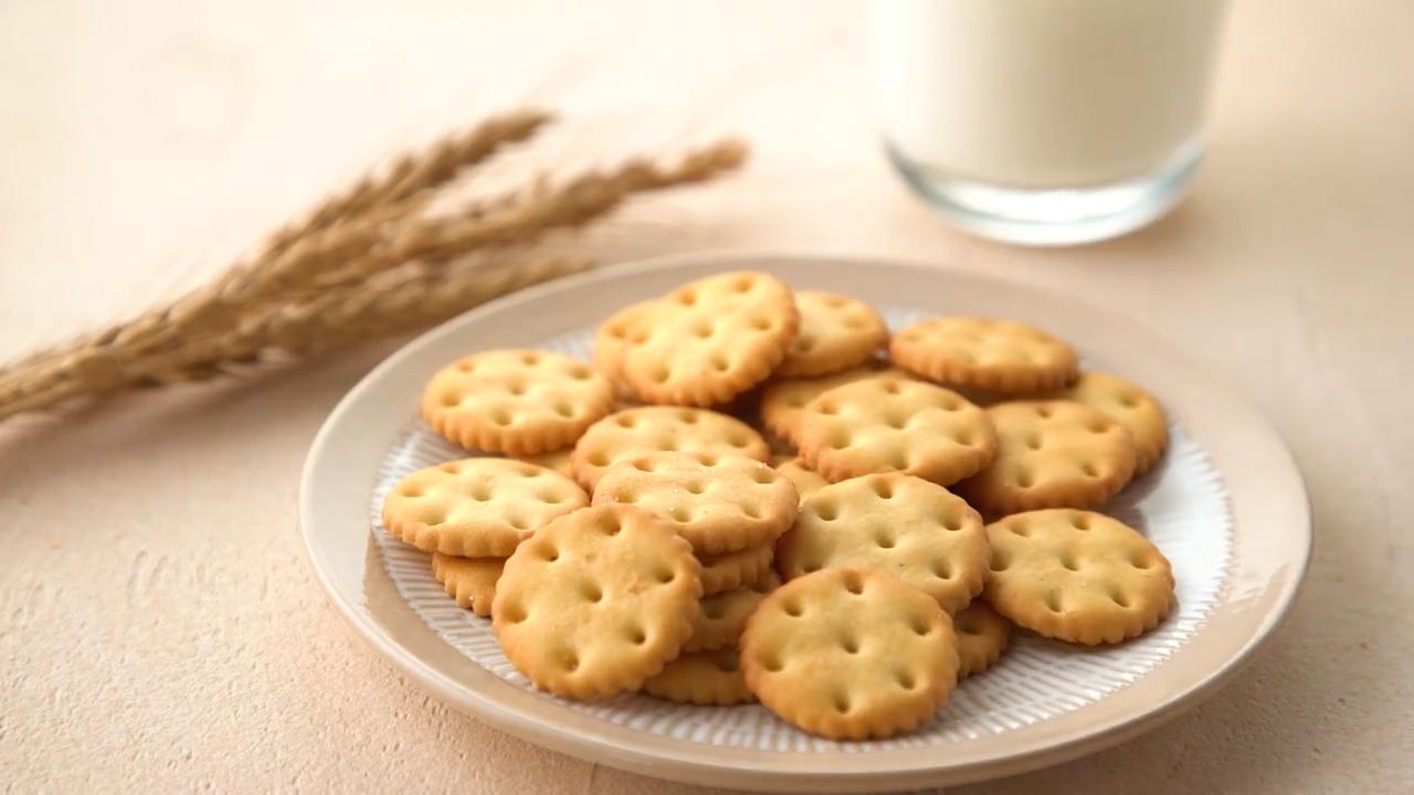 Haute qualité forme ronde biscuits et du lait salé biscuit bon marché