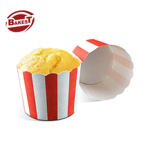 Bakest Ronde Medium Golvende Rand Wit en Rode Streep Muffin Cake Papier <span class=keywords><strong>Bakken</strong></span> Cup <span class=keywords><strong>Liners</strong></span>