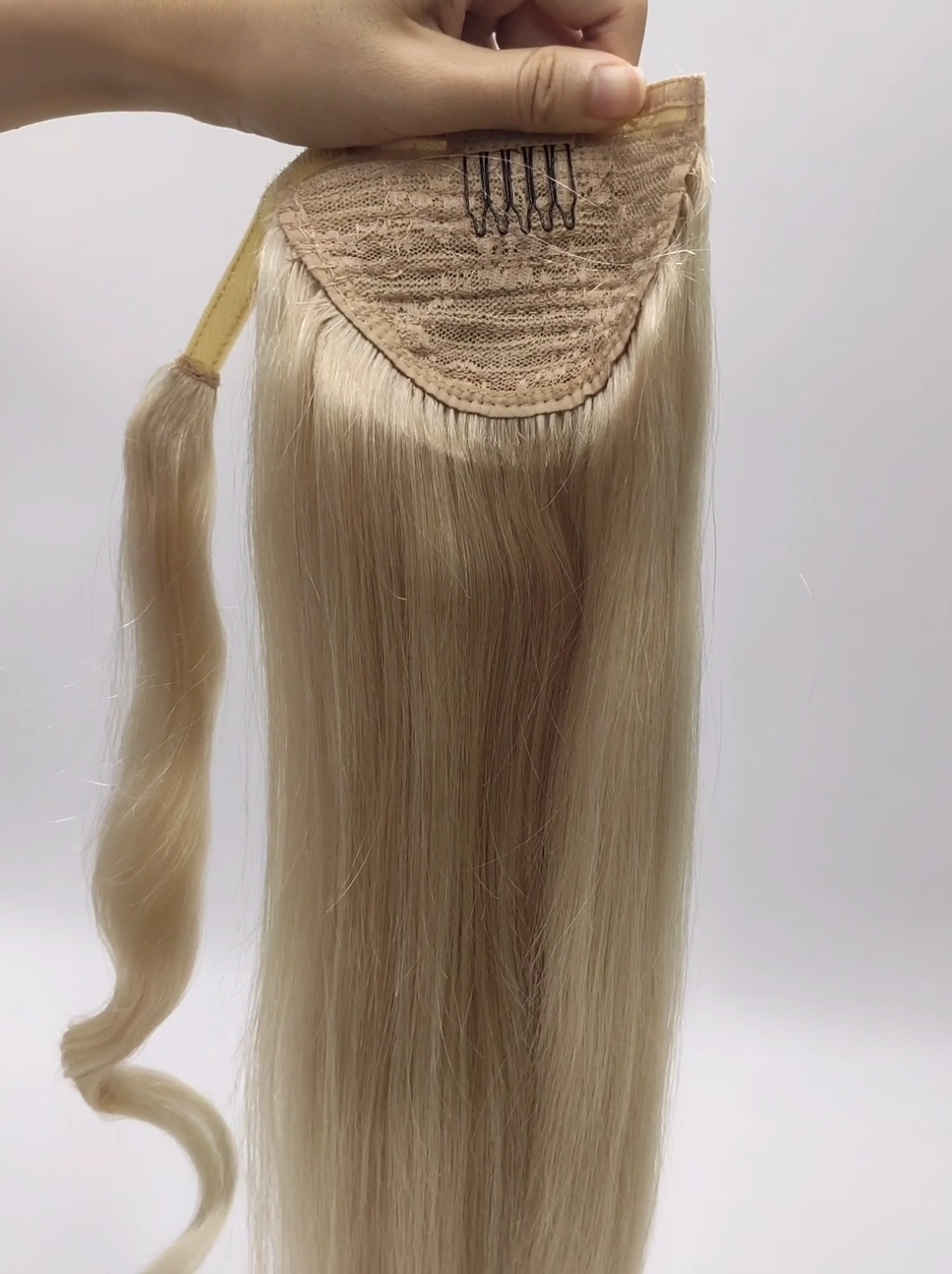 Qingdao Wave Beauty 2020 Brazilian 100% Virgin Remy Human Hair Extension Long Hair Piece Clip Claw Ponytail Straight Blonde
