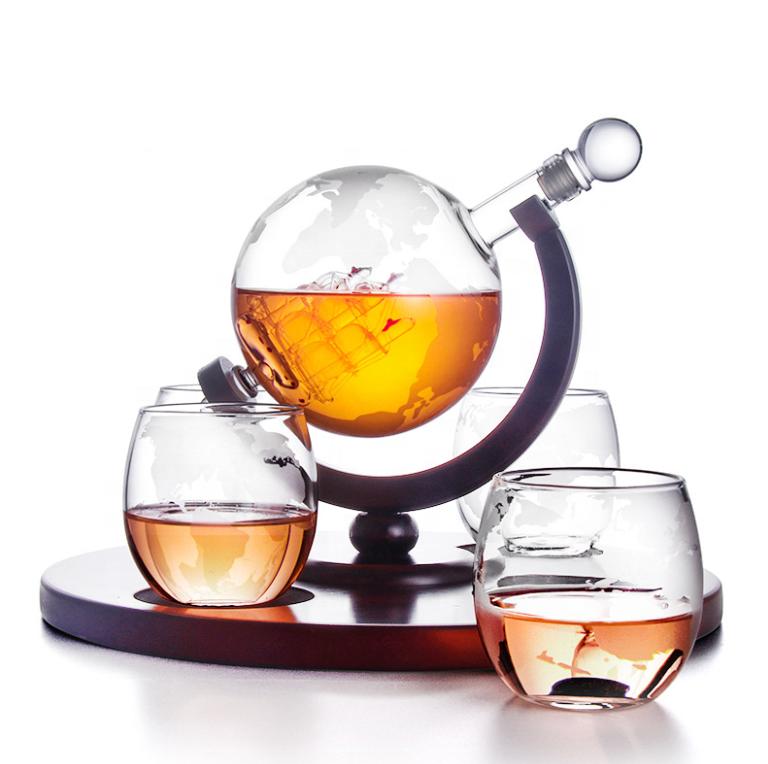 Amazon sıcak satış 4 adet cam bardak tek parça küre cam dekanter seti viski için