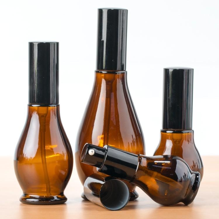 Venta caliente 10ml cantidad pequeña botella de vidrio botella de serie para Pharma y cosmética de aceite esencial botella verde en stock