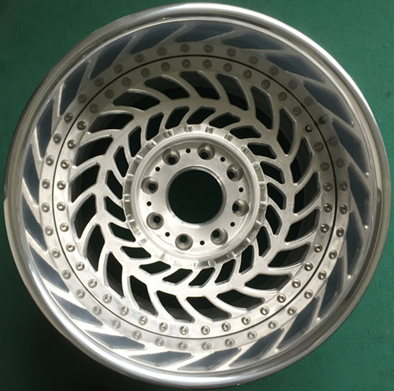 chrome lip and paint center forged alloy wheel