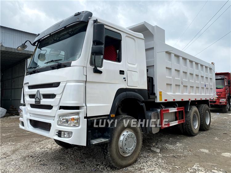 China Low Price 20 Cubic Meter Dump Truck Howo 8x4 Tipper
