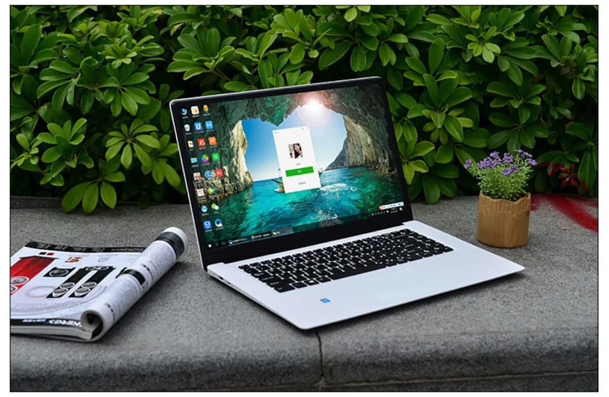 15.6 inch big screen laptop High capacity battery 8GB RAM +512GB SSD laptop
