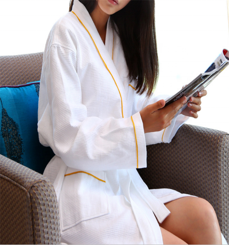 CFL จีนโรงงานวาฟเฟิลสีขาว 100 Cotton Hotel เสื้อคลุมอาบน้ำสีเหลืองท่อ