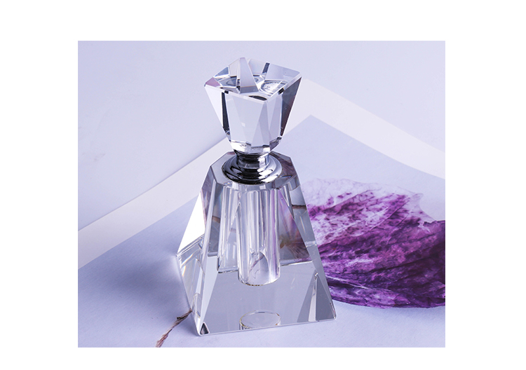 New clear glass classic home decoration crystal perfume bottle