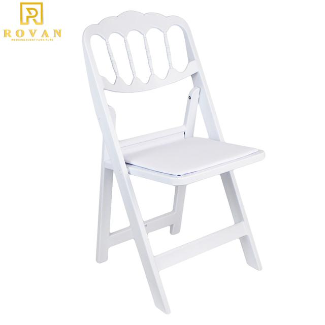 arriendo sillas plegables blancas