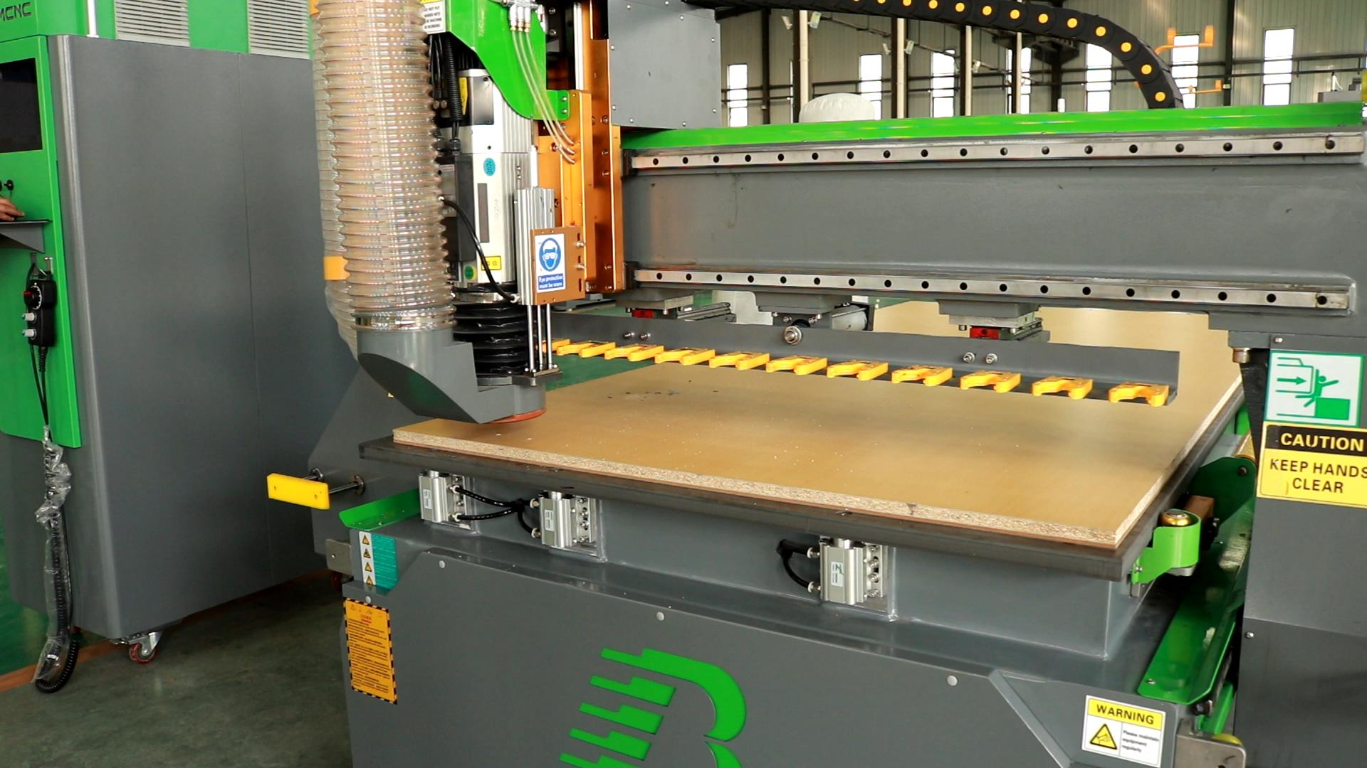 באופן מלא אוטומטי דלת מטבח ארון cnc נתב מכונות נגרות מכונות עם טעינה ופריקה עץ נתב