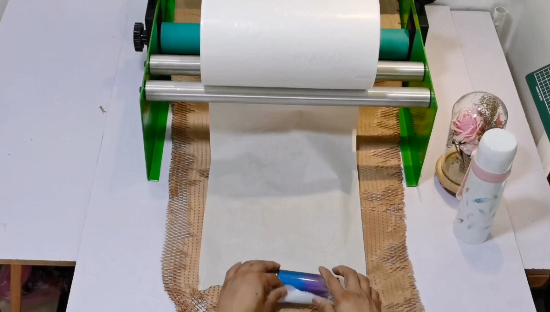 50cm * 120m çevre dostu ambalaj petek desenli kağıt toptan kahverengi, beyaz petek yastık kağıt petek Kraft kağıt