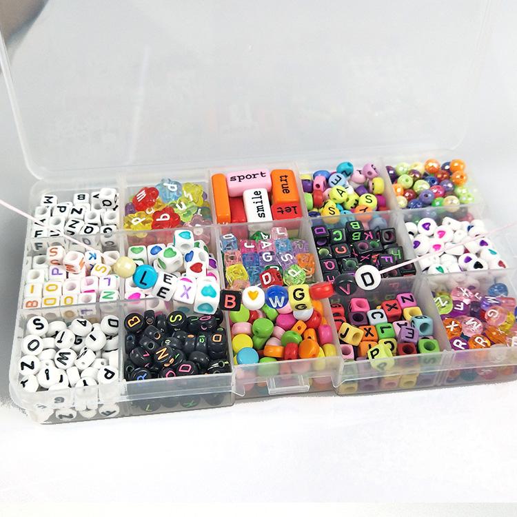 Бесплатный образец Горячая продажа акриловые бусины Алфавит Набор для изготовления ожерелья DIY браслет ожерелье пластиковые бусины с буквами