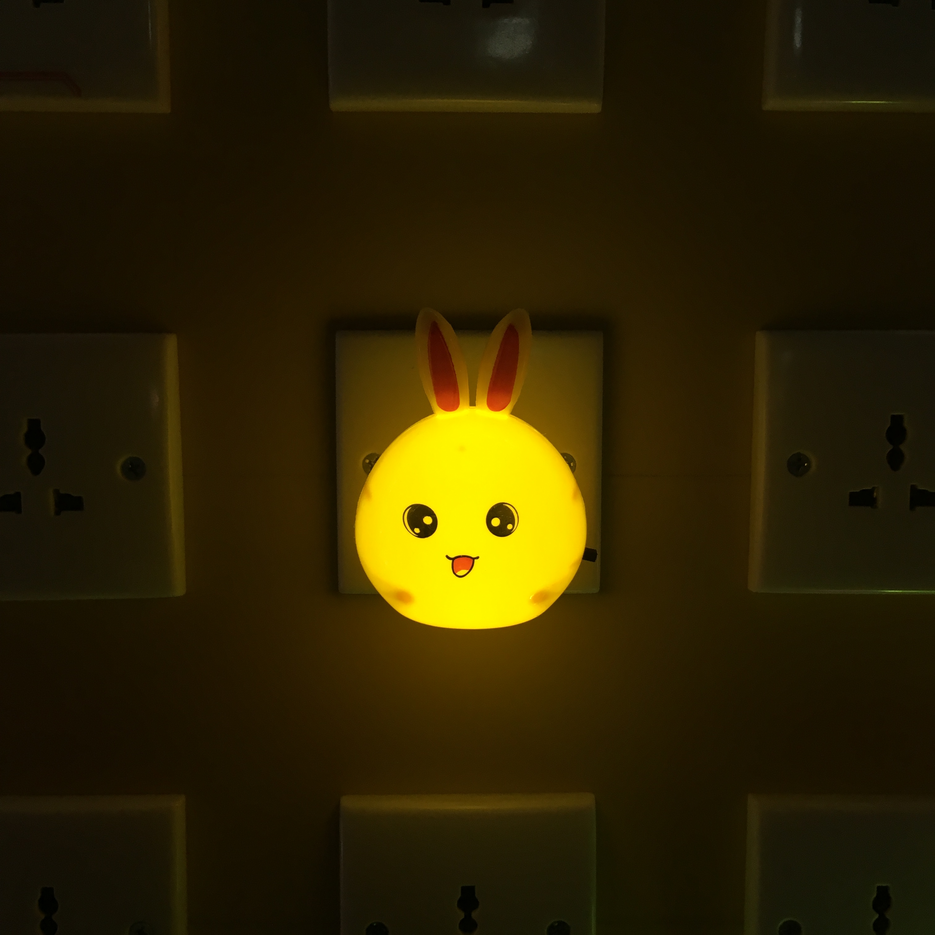 W103 Oval long-eared rabbit shape 4SMD mini switch plug in night light with 0.6W AC 110V 220V