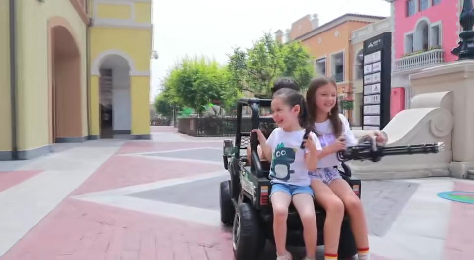 Sıcak satış yeni promosyon çocuk akülü araba çocuk elektrikli oyuncak araba için sürücü çocuklar araba elektrikli 12v