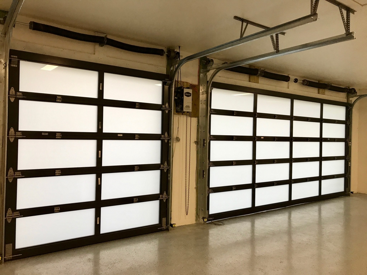 product-8x7 Aluminum alloy frame single tempered glass modern black garage doors-Zhongtai-img-2