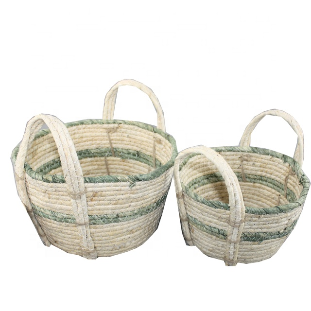 Maize Nesting Basket Set of 3 Woven Straw with Wodded Dowel Handles Nice