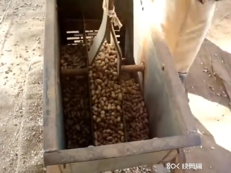 מפעל מחיר ידני יבש אגוזי אדמה קילוף מכונה מקלף בוטנים מכונה
