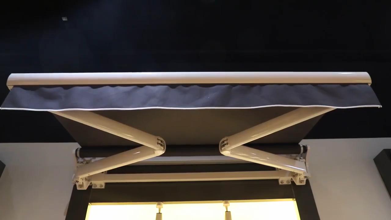 強力なアルミニウム折りたたみアーム 5 メートル投影電気屋外パティオ格納式日除け