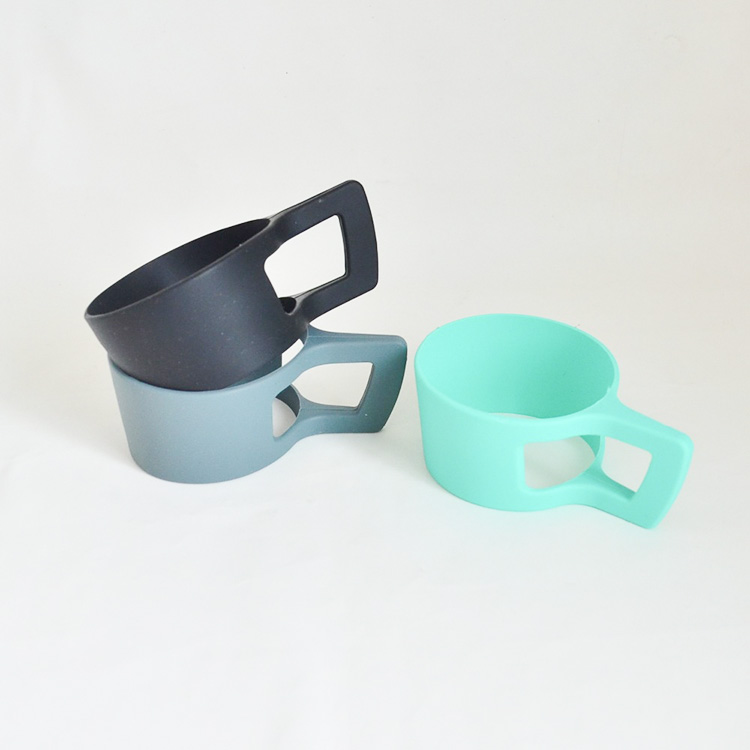 Wholesale cup sleeve heat resistant anti-slip coffee mug cup cover silicone sleeve with holder