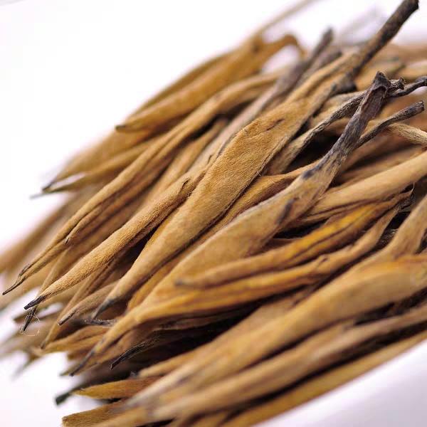 Dian Hong black tea from Yunnan province, Chinese famous tea brand, golden needle. - 4uTea | 4uTea.com
