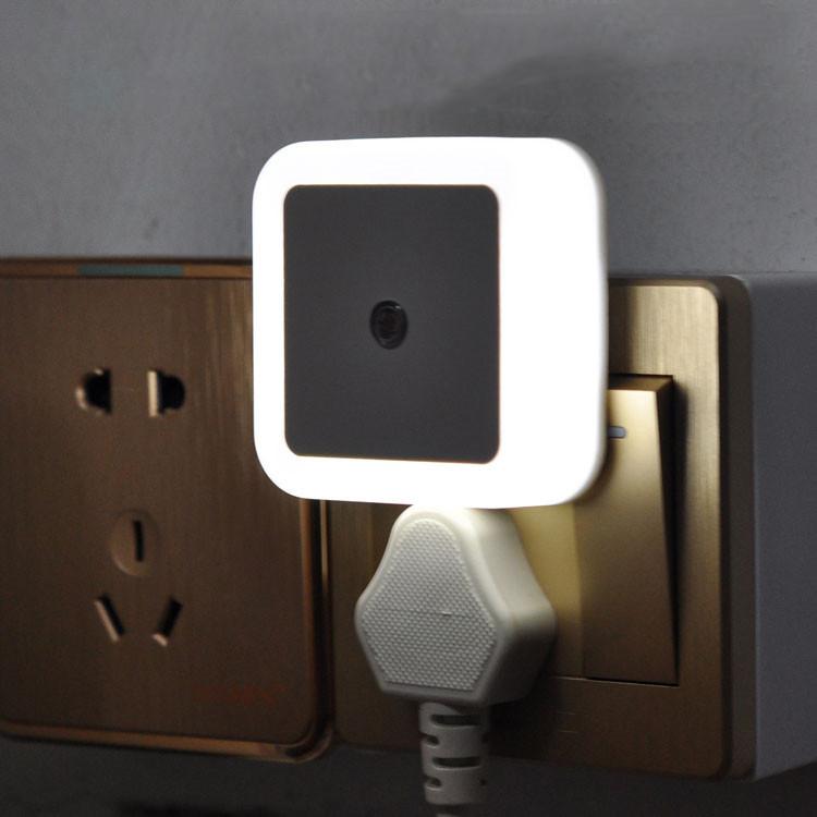 Intelligent Light Control 0.5W Night Light Auto Sensor Baby Bedroom 110V 220V UK US EU Plug Led Night Lamp