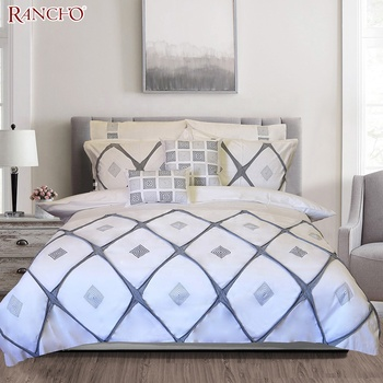 Fashion design queen quilt custom embroidery duvet cover bedding set