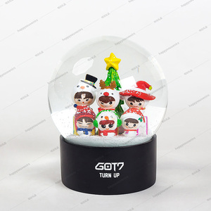 Brand Company Polyresin Promotion Gifts Christmas Snowdome 100mm Decoration Snow Globes Cheap For Kids Holiday Snowball