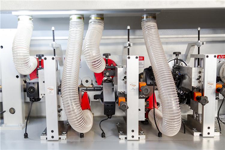 Полностью автоматическая кромкооблицовочная машина для деревообработки дверей кухонного шкафа