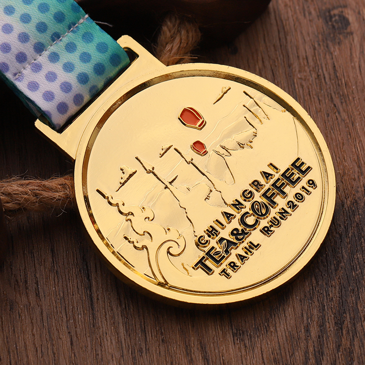 China manufacturer cheap gold enamel trail run Custom metal sports medal