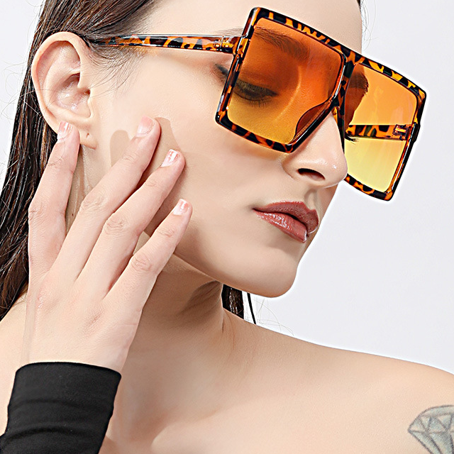 Top Hot Selling Eyewear 2020 Fashion Brand Designer SunメガネBig Square Oversized Shades Unisex Assorted Sunglasses