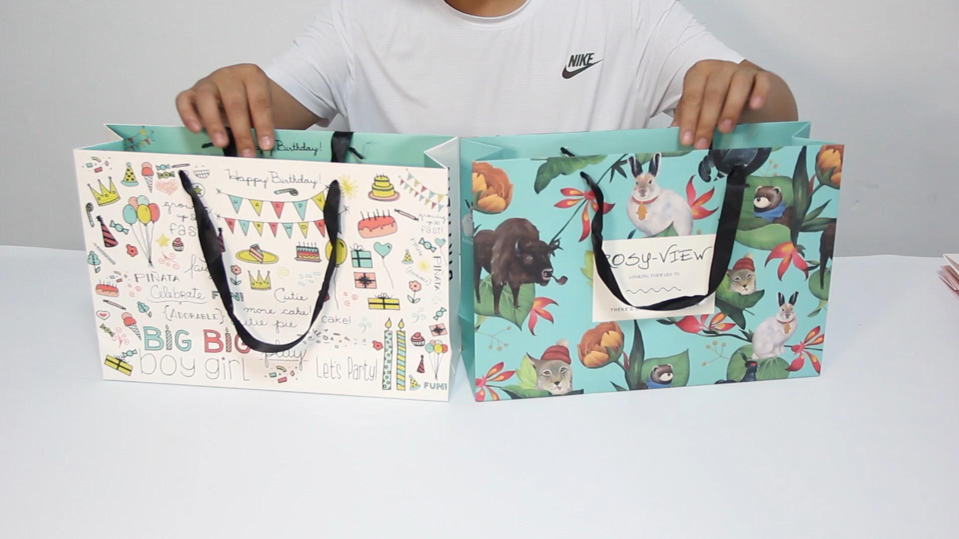 Sac cadeau shopping sac en papier avec poignées pour chaussures vêtements en gros shopping sac en papier fournisseur