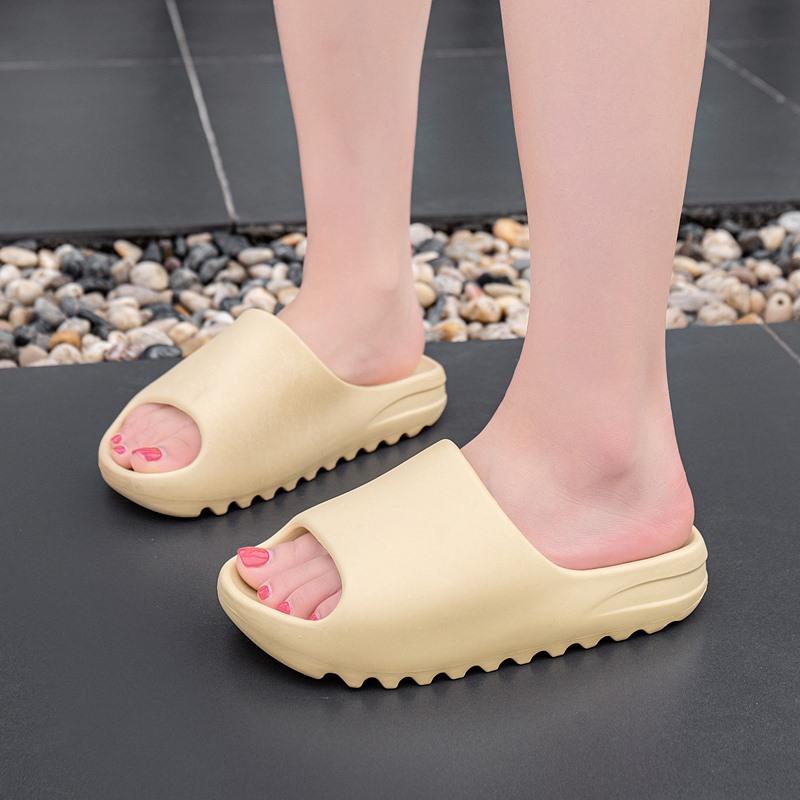 2020 New Unisex Summer Fish Mouth Flat Slip On Indoor Yeezy Beach Ladies slippers