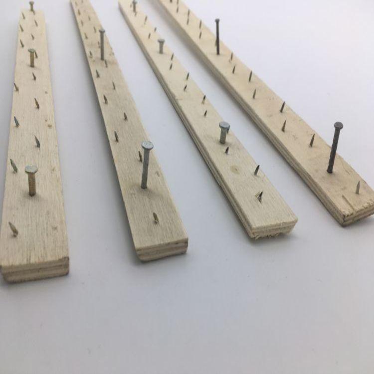 Flooring carpet wooden gripper tack strip