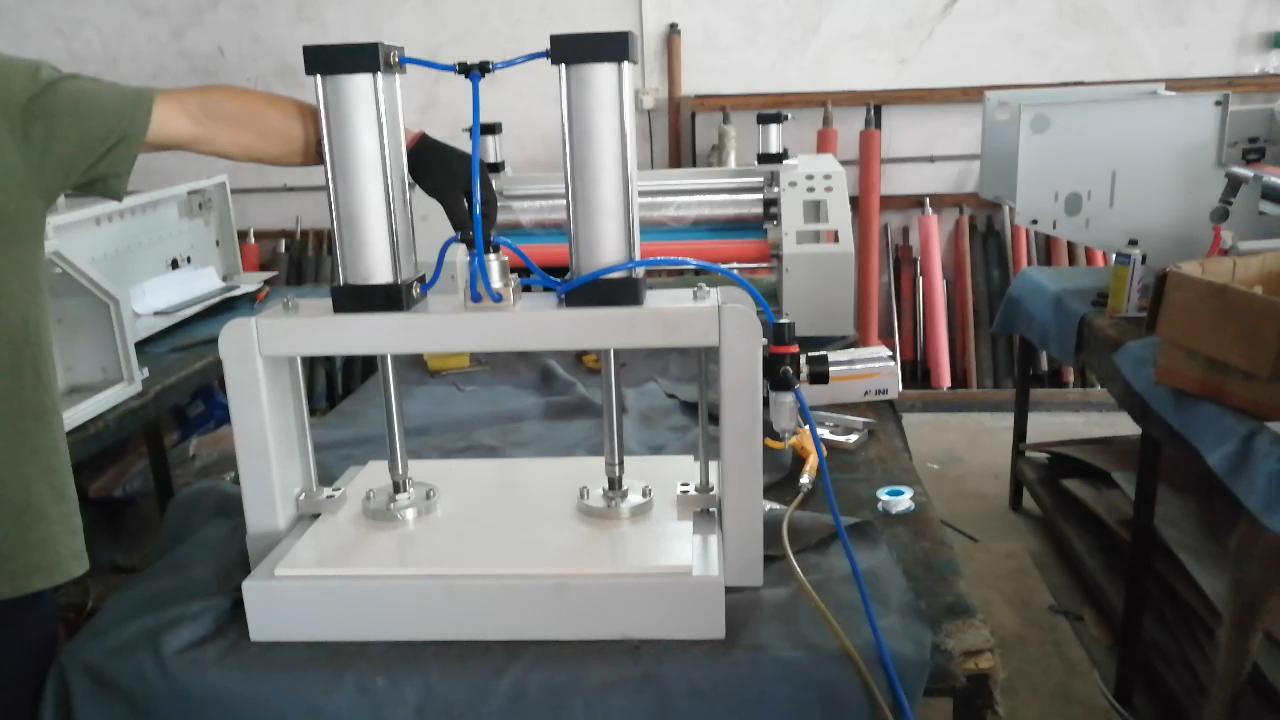 Mesa de Mini máquina Pneumática máquina de pressão no preço de fábrica