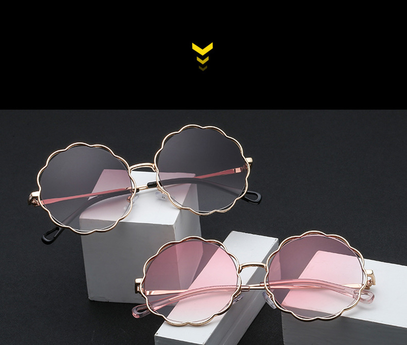 Design Your Own Age's Photochromic Round Shade Women Flower Sunglass