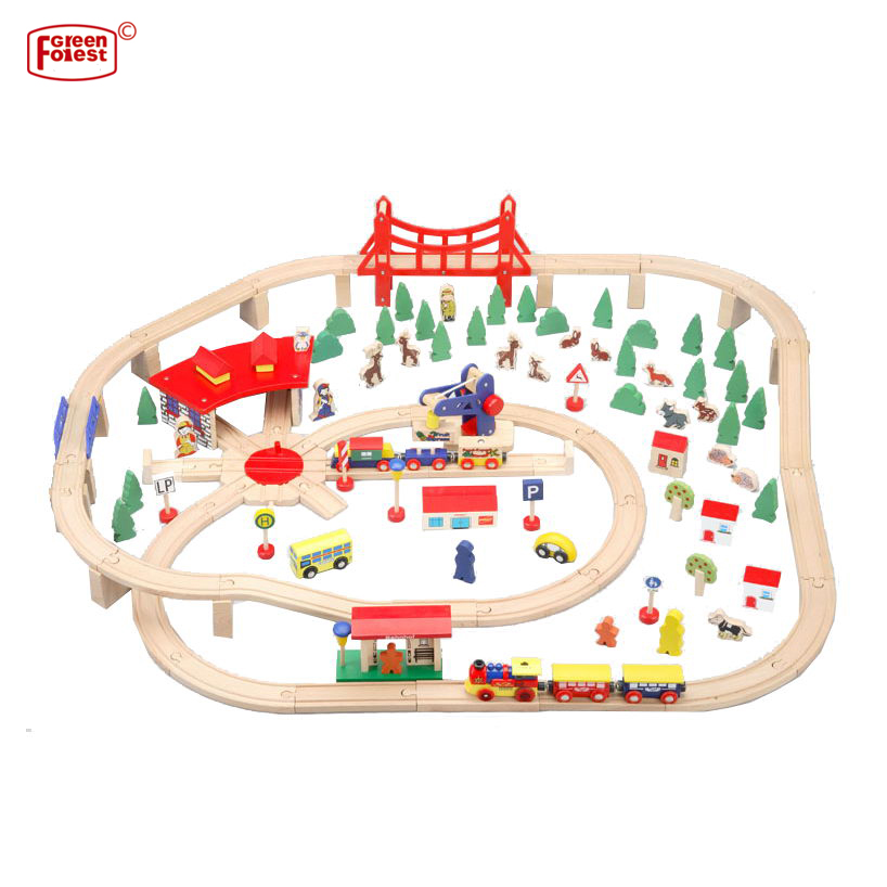 Hot Selling OEM 130PCS Wooden Train Tracks Set With Accessories Toy for Educational Kids Toy