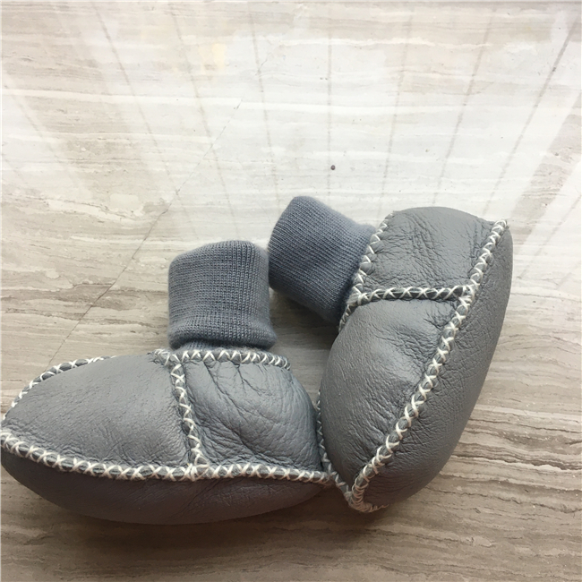 Double face shearing sheepskin winter booties for boy