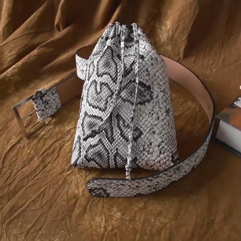 2020 обхват талии и сумки; Набор новых дизайнерских маленькая поясная сумка с пряжкой и цепочкой туфли со змеиным узором поясная сумка дамская модная обувь из искусственной кожи с ремешком и сумка для женщин